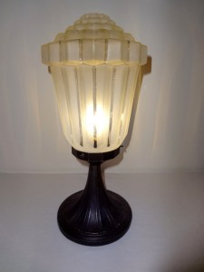 Art Deco Accessories: french art deco table lamp